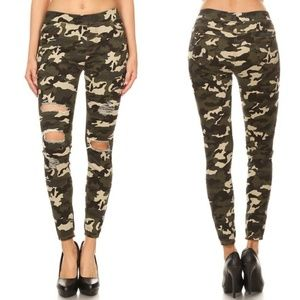 Distressed Camo Jeggings